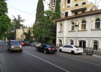 Новая разметка в Ялте вынуждает водителей нарушать ПДД ФОТО, фото — «Рекламы Крыма»