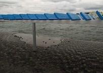 В Севастополе на пляже Хрустальный поменяют некачественное покрытие, фото — «Рекламы Севастополя»