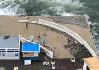 На пляж «Хрустальный» вернули плитку на песочке ВИДЕО, фото — «Рекламы Севастополя»