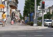 «Это же Москва!»: Варламов прогулялся по центральной улице Севастополя, фото — «Рекламы Севастополя»