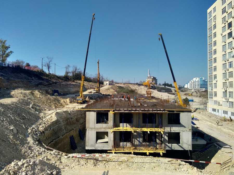 В Севастополе жалуются на круглосуточный шум от стройки культурного кластера