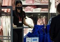 Аксёнов поручил закрывать не соблюдающие масочный режим предприятия, фото — «Рекламы Крыма»