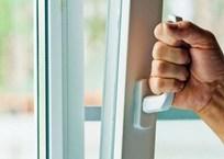 Жительница Севастополя «проветрила» квартиру на 100 тысяч рублей, фото — «Рекламы Севастополя»