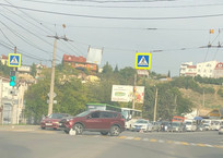 Женщина попала под колеса на пешеходном переходе в Севастополе, фото — «Рекламы Севастополя»