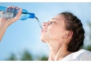 Как побороть летнюю жажду?, фото — «Реклама Крыма»