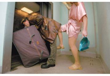 Вниманию крымчан: кого нельзя выселить из квартиры?, фото — «Реклама Черноморского»