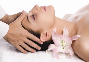 Услуги профессионального косметолога в салоне красоты «Коралл», фото — «Реклама Севастополя»