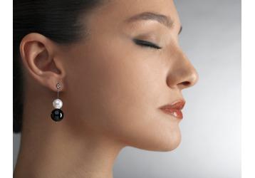 Где в Керчи можно проколоть уши?, фото — «Реклама Керчи»
