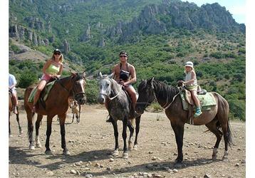 Конные прогулки – отличный способ проведения досуга!, фото — «Реклама Севастополя»