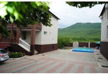 Гостиничный комплекс «Кизиловое» приглашает всех ценителей крымской природы, фото — «Реклама Севастополя»
